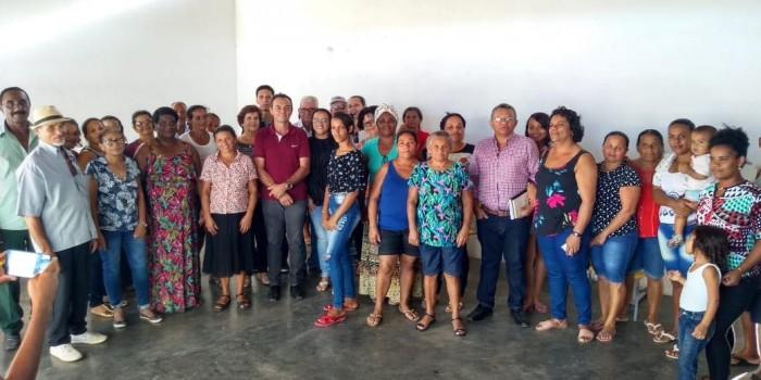 Prefeito Celino Rocha participa de encontro em Associação do Quilombo da Jaqueira