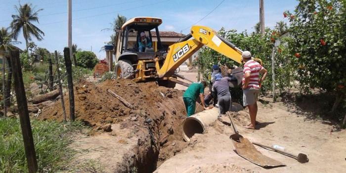Prefeitura realiza melhorias e instala novos bueiros em estrada da Chã do Brejo