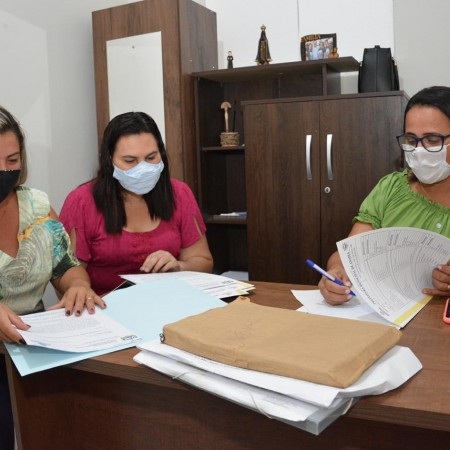 Secretária de Assistência Social assume pasta e traça planejamento para ampliação dos programas
