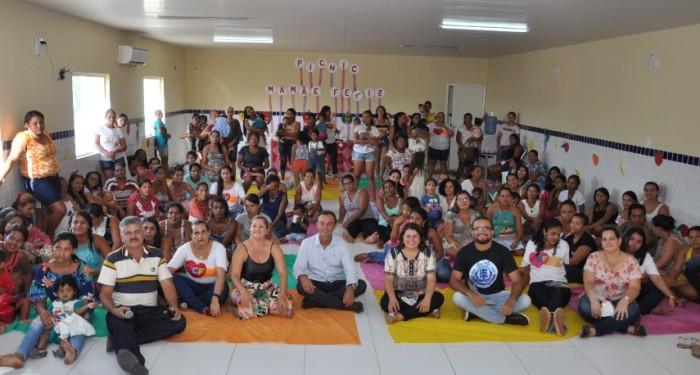 Mamães assistidas pelo programa Criança Feliz ganham um super piquenique