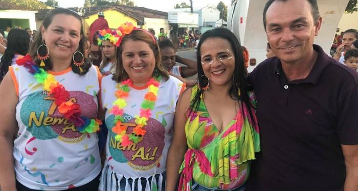 Blocos da Saúde e Assistência Social levam alegria às ruas