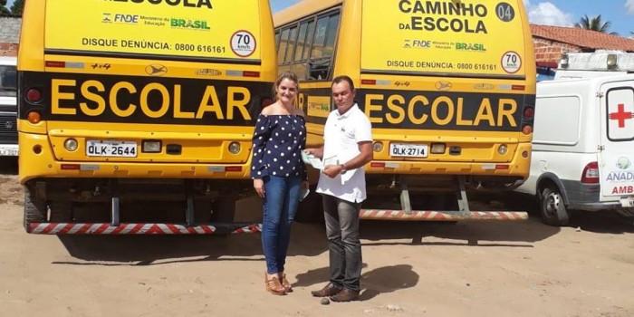Prefeitura regulariza documentação de ônibus escolares