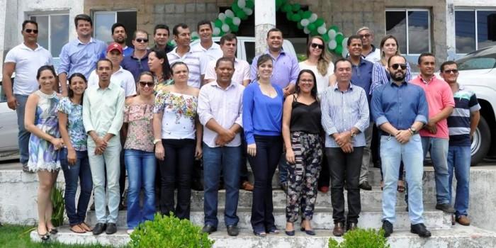 Prefeito reforça frota de veículos e inaugura nova Unidade de Saúde