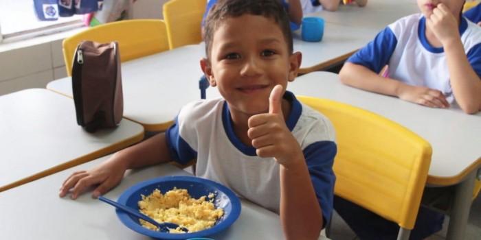 Escolas passam a ofertar café da manhã a alunos da rede municipal