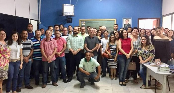Prefeito Celino Rocha se reúne com equipe de governo para traçar planejamento