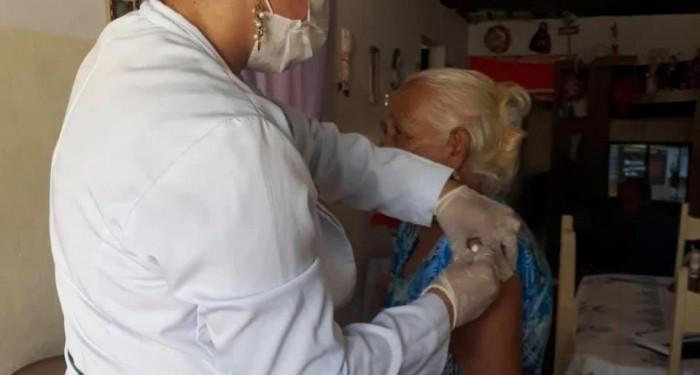 Município supera meta de vacinação contra a gripe em idosos