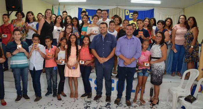 Secretaria de Educação realiza homenagem para alunos do 5º e 9º ano, destaques na Avaliação Padronizada
