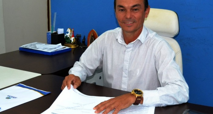 Prefeito Celino Rocha nomeia novos secretários na equipe de governo