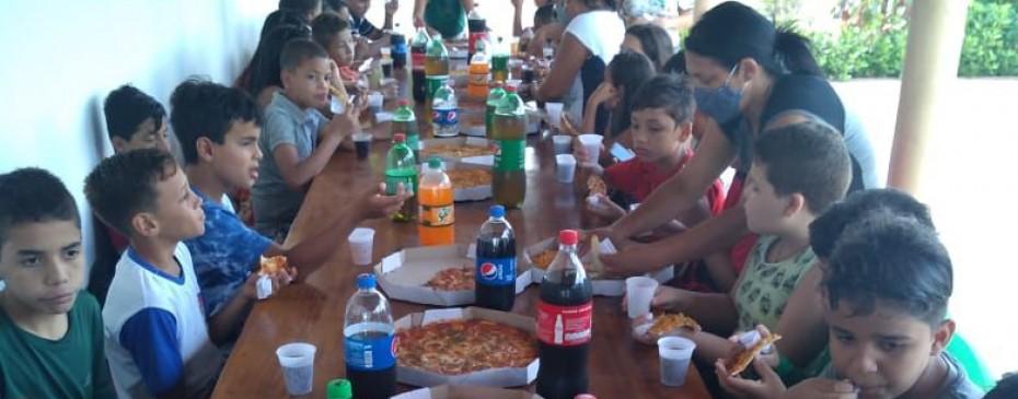 Educação promove desafio para aumento das notas e alunos garantem rodada de pizza
