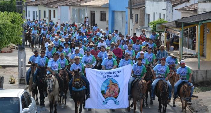 Cavalgada marca o início da Festa de Nossa Senhora da Piedade